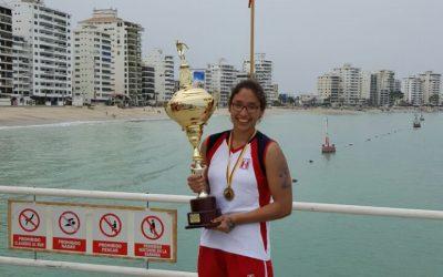 Maria Alejandra Bramont Arias: Medalla de oro en la Copa Pacífico de Aguas Abiertas
