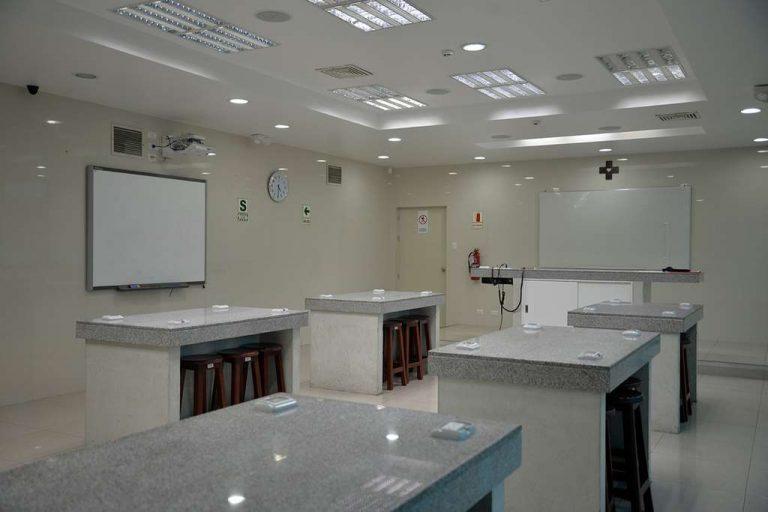 13. Laboratorio de Química